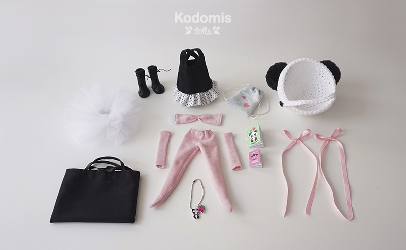 Blythe Midori Panda outfit