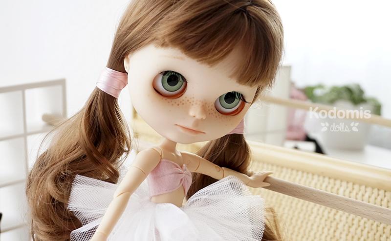 Blythe custom Midori Panda ballet 5